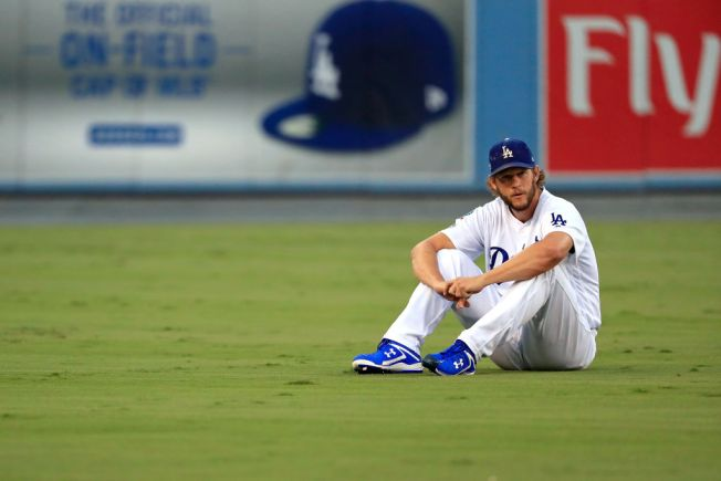 best sneakers 74260 a2a94 VIDEO: Watch as Dodgers' Clayton Kershaw Works Out Alone at ...