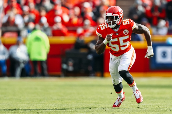 Enraged Chiefs Fans Vent on Twitter at an Englishwoman Named Dee Ford