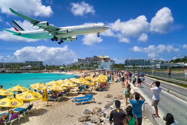 Tourist killed at Princess Juliana airport, Saint Maarten