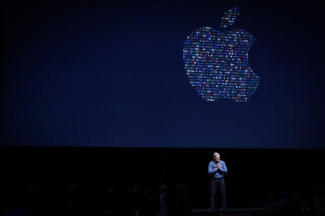 Apple's Growing Cash Stash Spurs Talk of Huge Acquisition