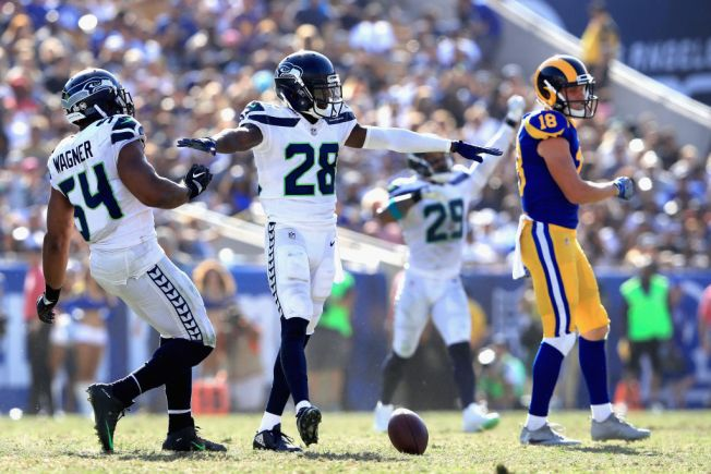 Seahawks defensive stars Earl Thomas, Bobby Wagner feud after loss to Rams
