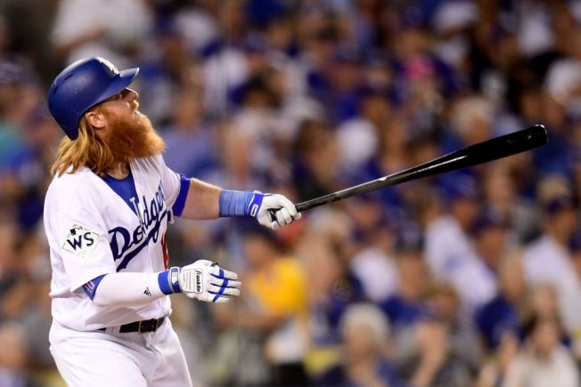 size 40 4ea93 32f67 Justin Turner's Home Run Gives Dodgers 3-1 Victory Over ...