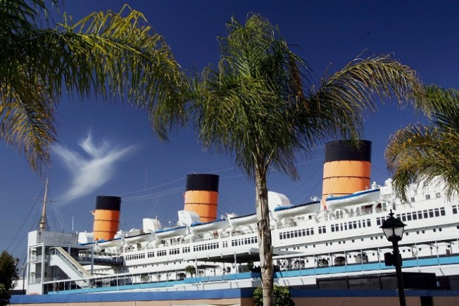 Queen Mary Waives Admission for Royal Rendezvous