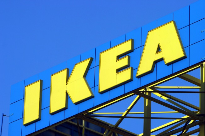 "IKEA Discontinues ""EXPEDIT"" Shelf, Sparking Social Media Backlash"