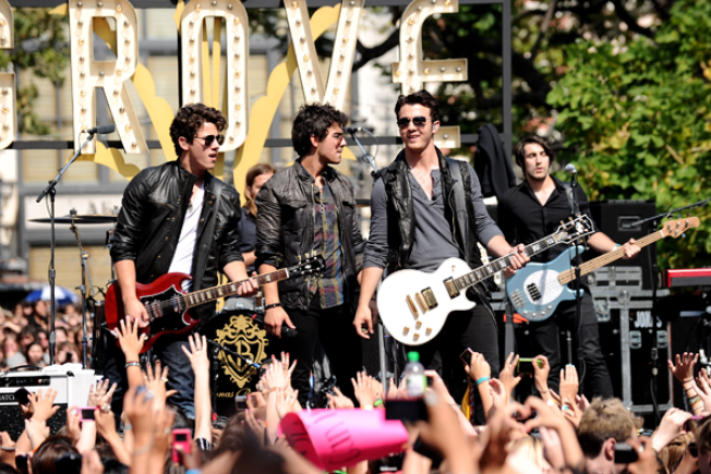 The Grove Crowd Goes Crazy for the Jonas Brothers
