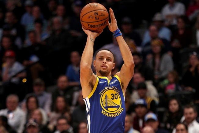 Warriors Score Record 51 in First on the Way to Rout of Nuggets
