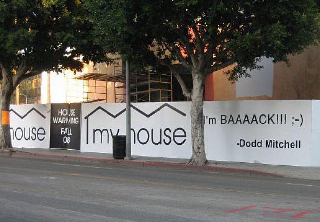 "Designer Dodd Mitchell: He's ""Baaaack"""
