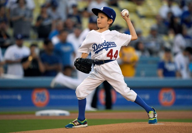 [la gallery UPDATED 7/31] Photos: Adorable, Emotional and Sometimes Awkward Ceremonial First Pitches at Dodger Stadium