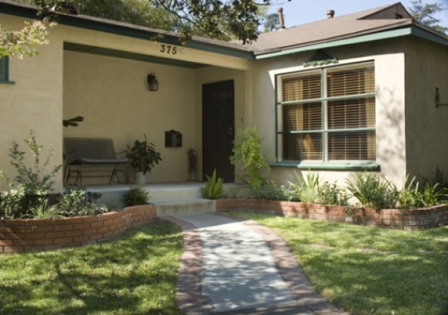 New To Market: 1940s Cottage in Pasadena's Daisy Village