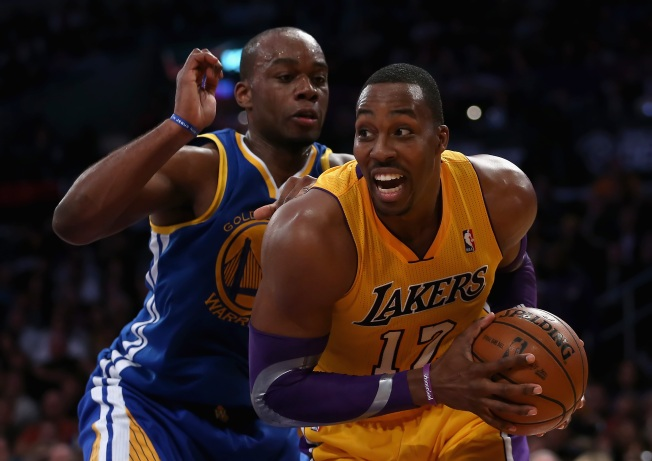 Lakers Win First Game Without Head Coach Mike Brown
