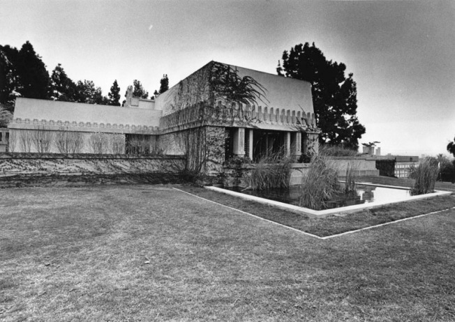 Old Hollywood: Frank Lloyd Wright's Hollyhock House to Get New Virtual Reality Tour