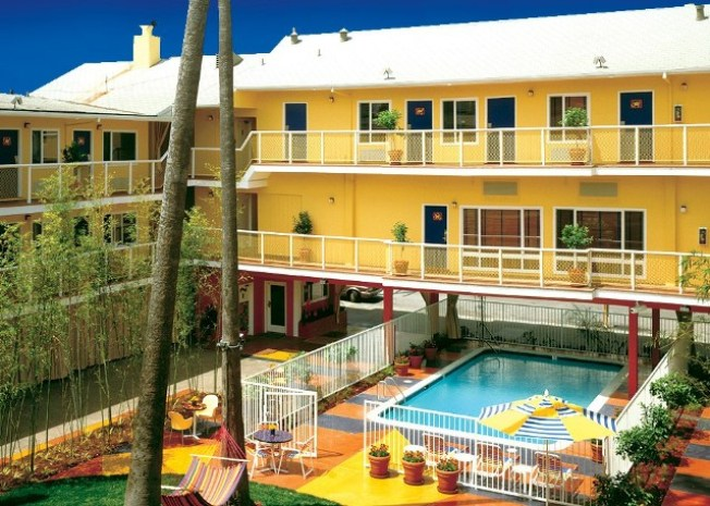 Worth the Drive: Hotel Del Sol