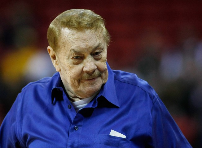 Jerry Buss Skips Parade To Play Poker