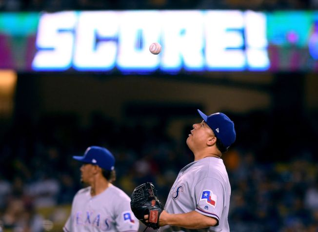 Dodgers Bats Break Out Against Bartolo Colon, Blowout Rangers 12-5