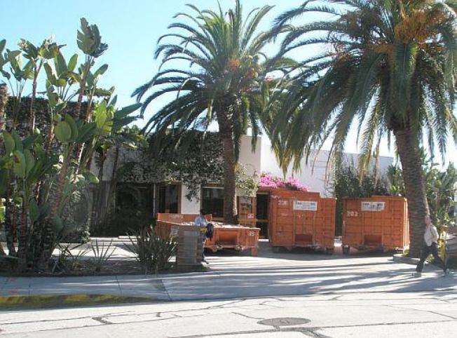 DemolitionWatch: Work Begins at Cecconi's