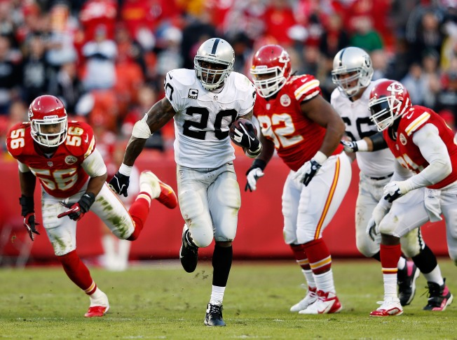 Raiders Win Second Straight, Get Back Into AFC West Race
