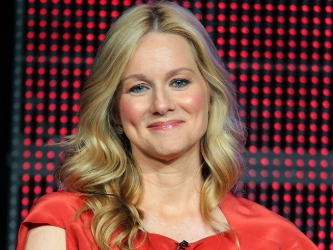 Laura Linney Misses Golden Globes Because of Father's Death