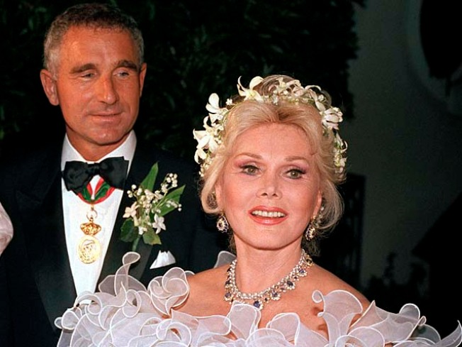 Zsa Zsa Rushed to Hospital