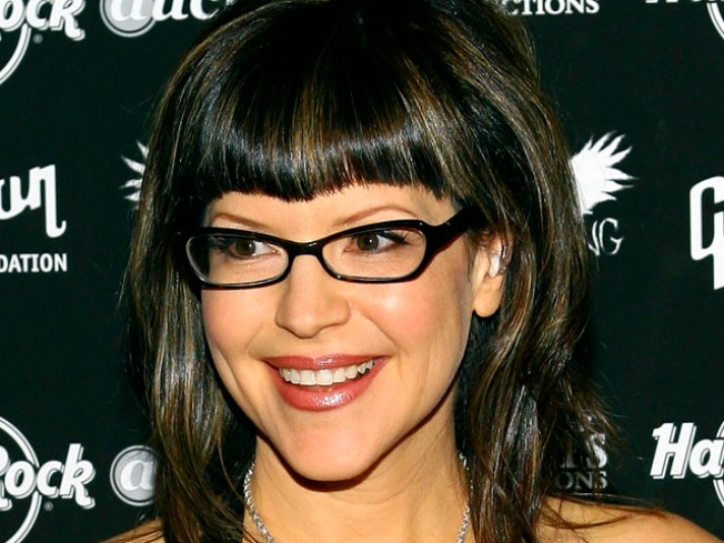 Lisa Loeb Expecting First Child