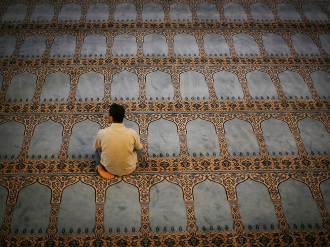 SoCal Muslims Angry at Informants in Mosques