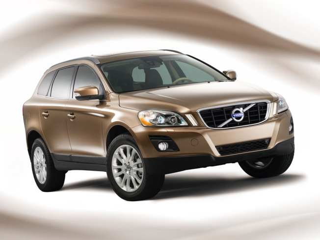 New 2010 Volvo XC60 Can Stop Itself