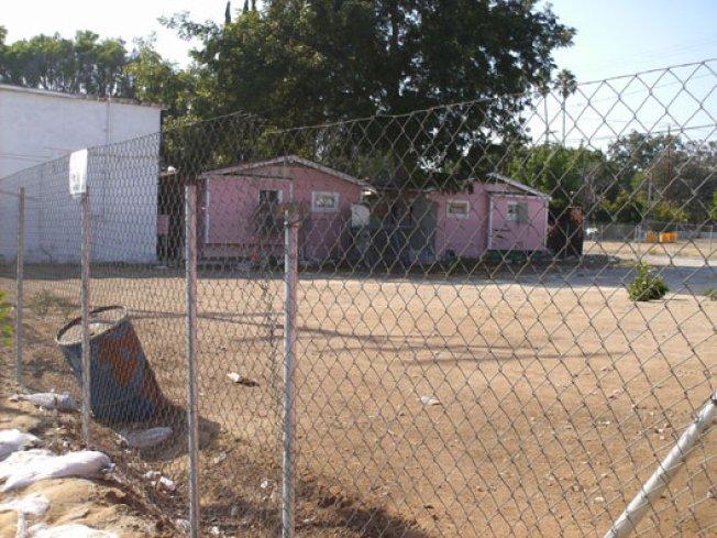 Rumblings & Bumblings: Larchmont Dirt, West LA Dingbats, Gershwin Hotel