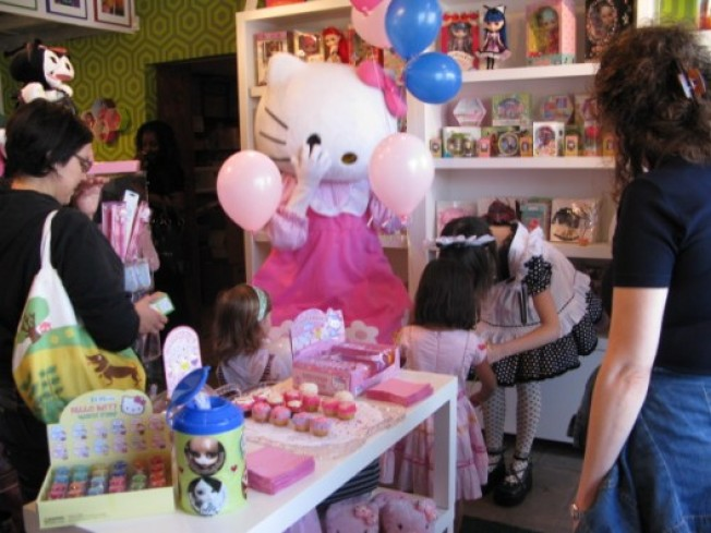 Party (S)hopping: Kitty Porn, Sanrio Knows How to Lure 'Em In