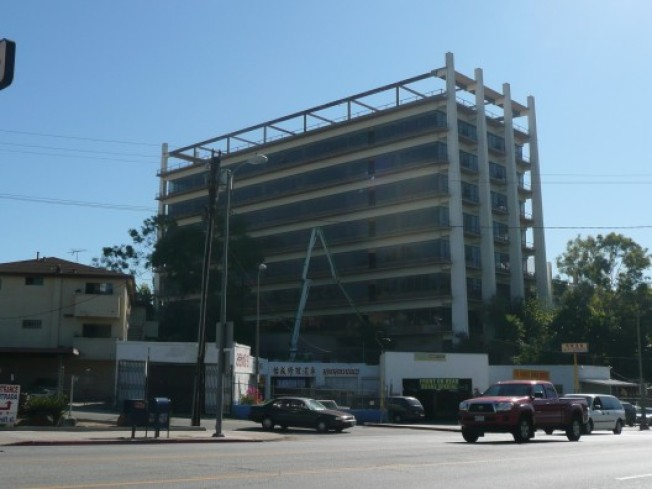 Apartments Coming to 1960s Echo Park Office Building?