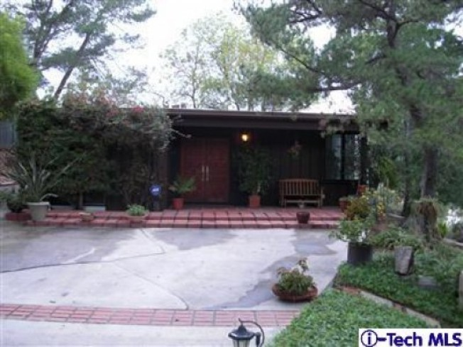 PriceSpotter: Mid-Century w/Horses in Shadow Hills