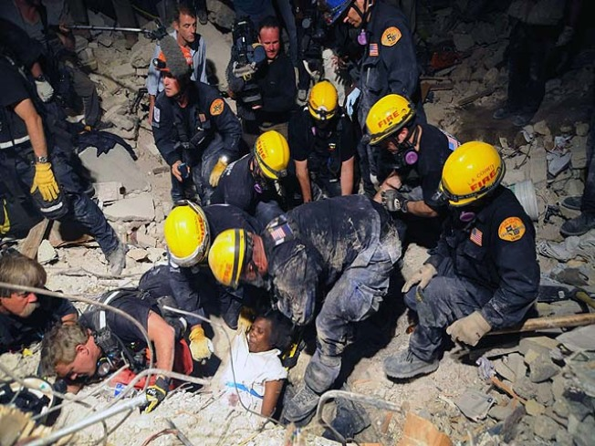 LA County Crew Pulls Survivor From Rubble
