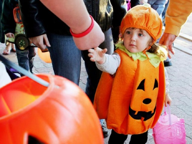 Top 5 LA Neighborhoods for Trick-or-Treating