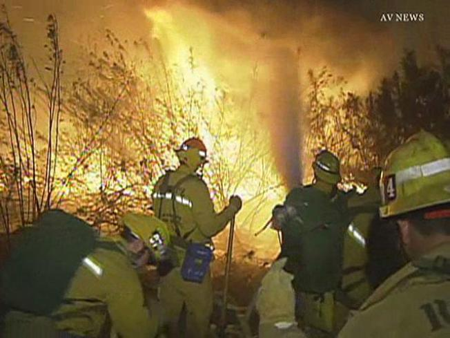Firefighters Quash Brush Fire Between Duarte and Azusa