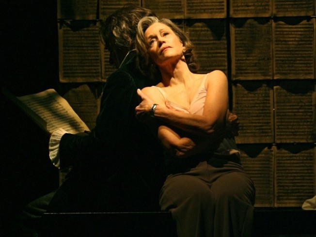Jane Fonda Stars in Time-Bender, Heart-Tender Play