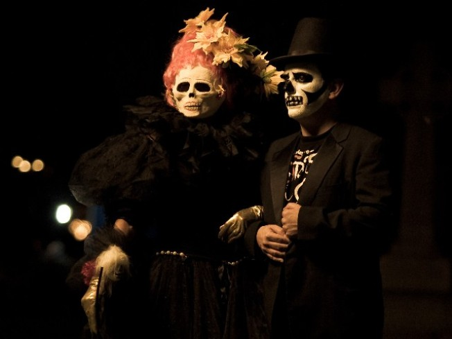Muertos, Music and Reverent Merriment