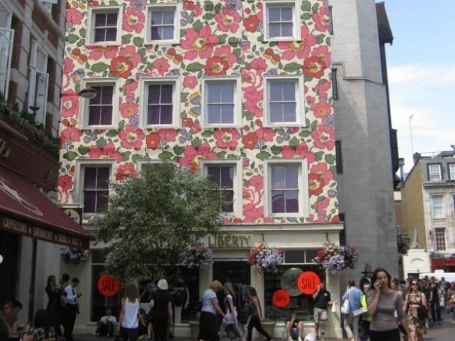 The Fabric-Covered Building