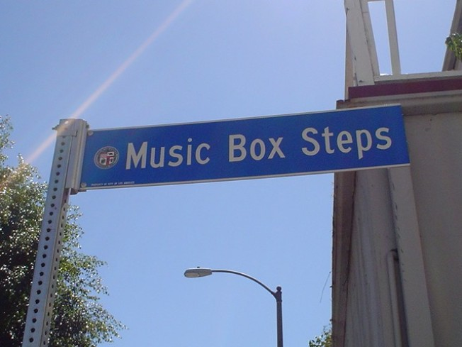 Music Box Steps Go Meta