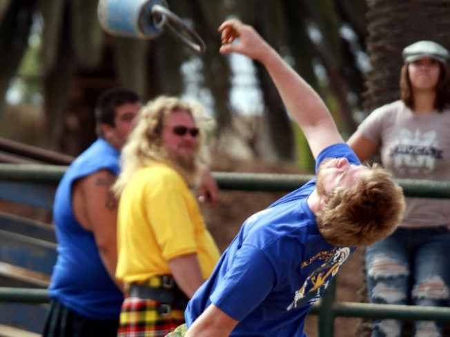 Weekend: Large Men Throwing Things