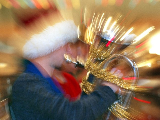 Tubas, Tinsel and a Longtime LA Tradition