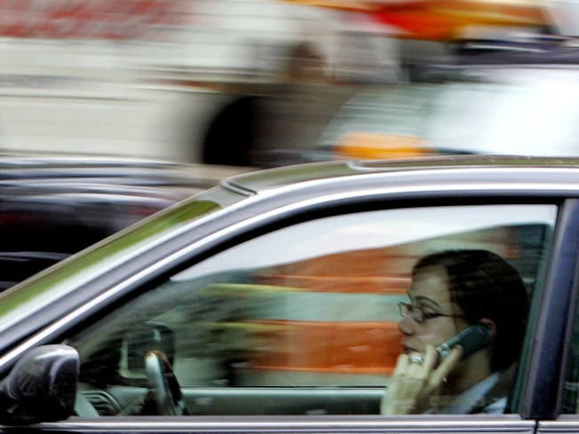 California Drivers Still Can't Break Cell Phone Habit