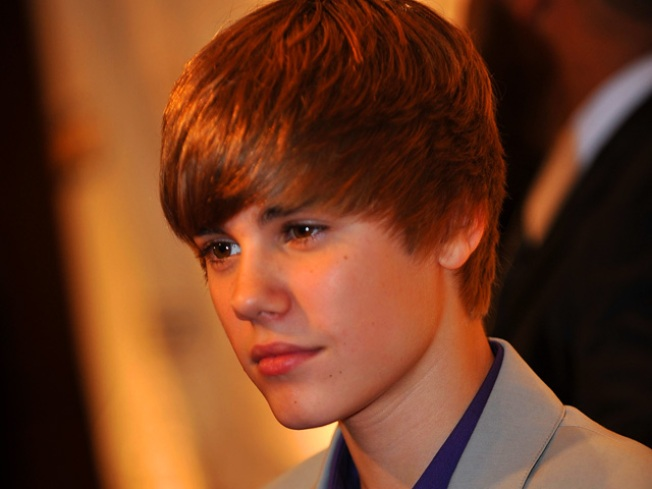 Sick Justin Bieber Tweets Recovery to Followers