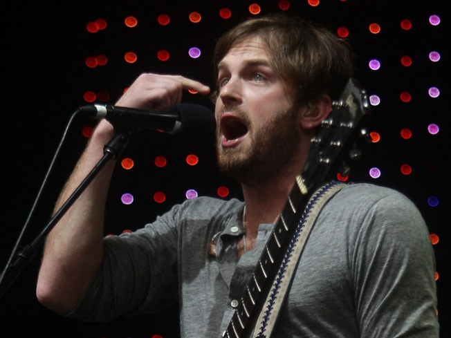 Kings of Leon Flee Stage After Pigeon Pelting