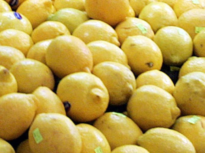 Big Rig Dumps Lemons on Interstate 10