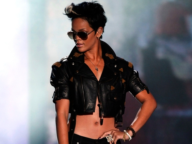 Rihanna Hints at New Album Release Date