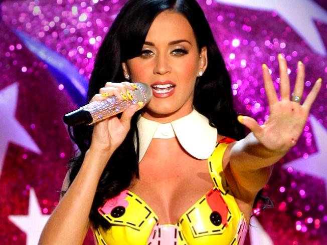 Katy Perry Tweets Displeasure Over Coachella Lineup