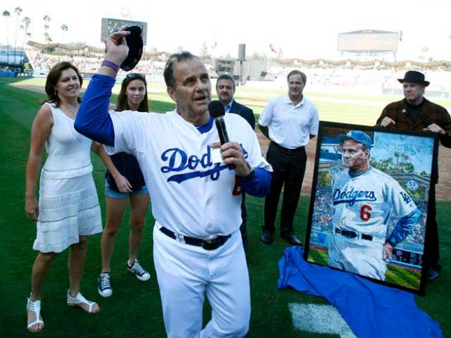 Joe Torre Hangs Up His Dodger Blue