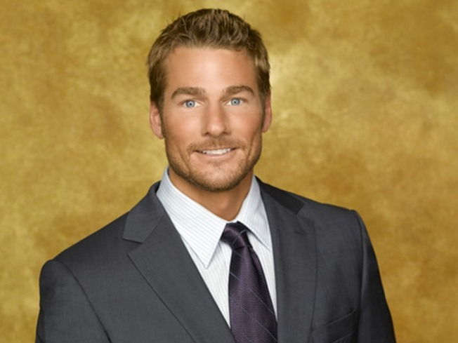 """Bachelor"" Debut Finds Brad Womack Full of Apologies"