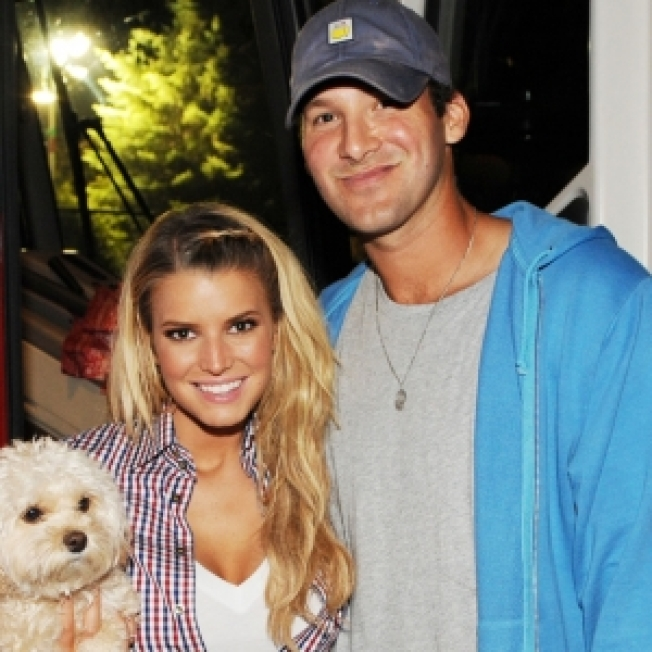 Jessica Simpson & Tony Romo Split Say Online Reports