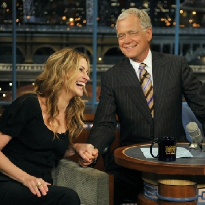Julia Roberts Declares Letterman 'So Much Funnier' Than Late-Night Competition