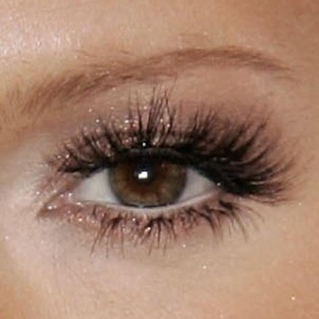 how to make short eyelashes grow