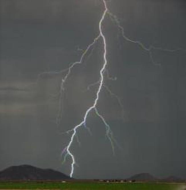 More Than 1,000 Lightning Strikes Dance Through High Desert